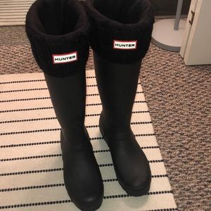 Black Hunter boots with Hunter socks